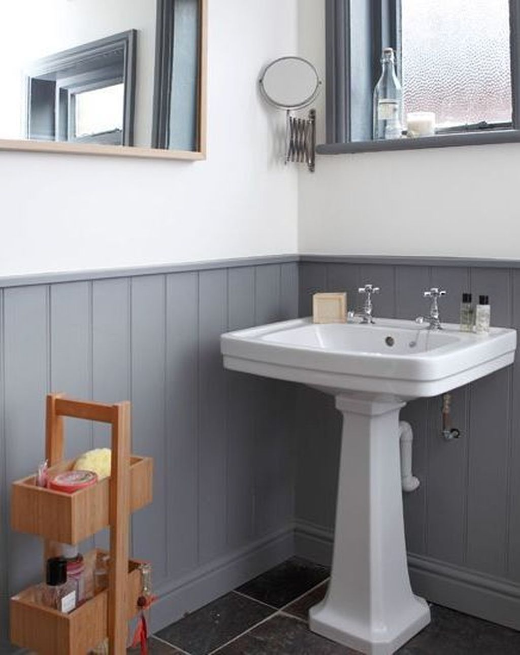 34 popular traditional small bathroom decor ideas to try