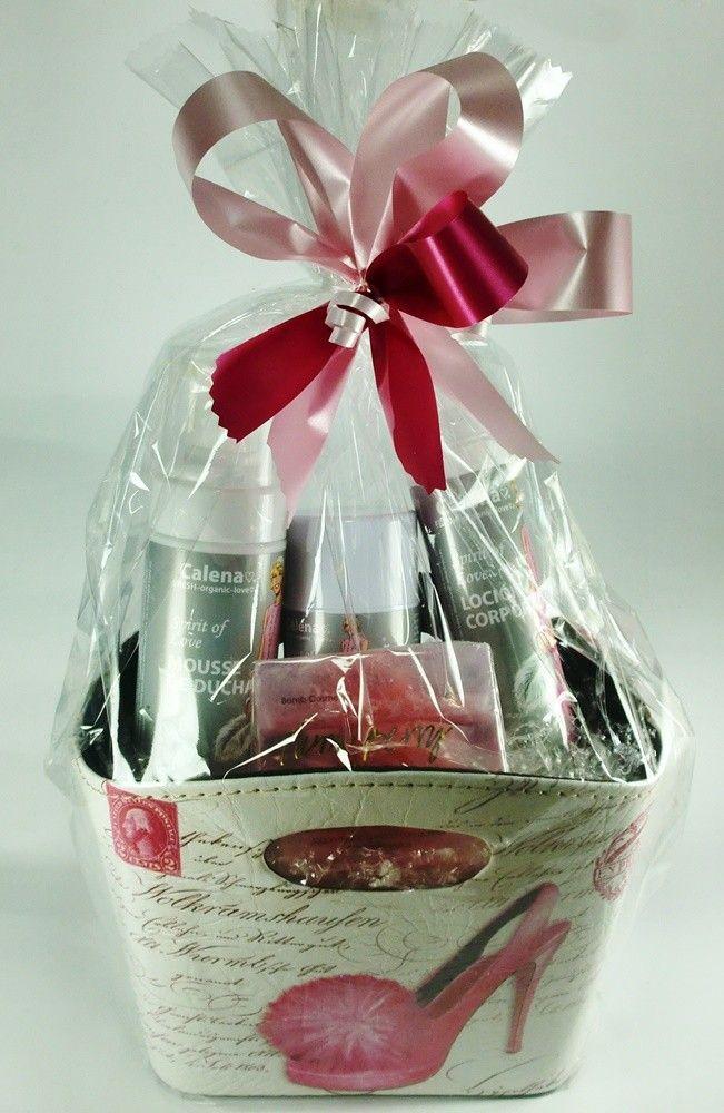 Preciosa de cesta con productos de Calena, cosmética orgánica de gran calidad.