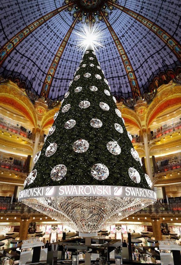 Christmas Tree At The Galeries Lafayette Paris Unusual Christmas Trees Swarovski Christmas Tree Christmas In Paris