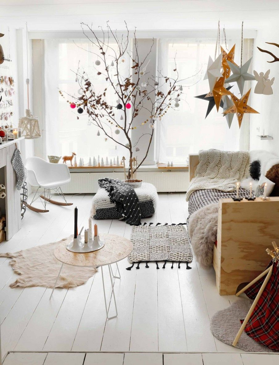 Woonkamer in kerstsfeer | Living room with Christmas decorations ...