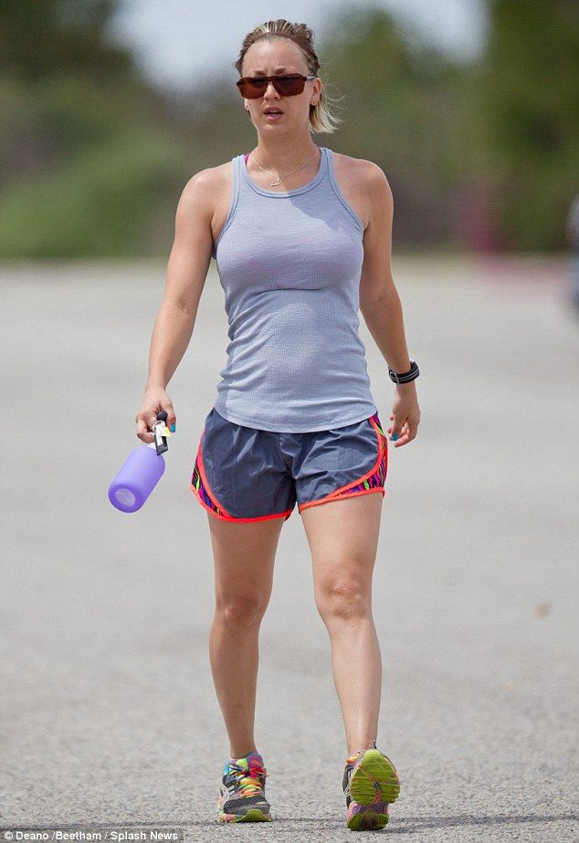 Kaley Cuoco Works Up A Sweat Before Throwing A Cinco De Mayo Fiesta Kaley Cuoco Kayley Cuoco Kaley Couco