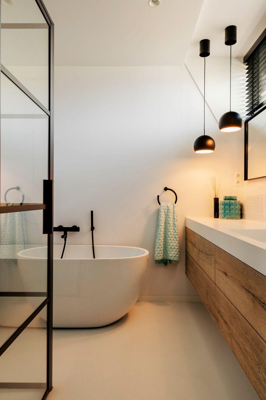 Sfeervolle badkamer met kleurrijke tegels