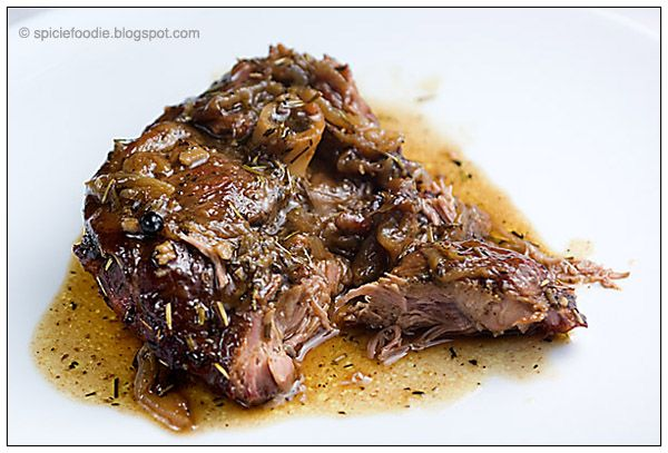 Slow Roasted Lamb; lamb; onion; garlic; rosemary; juniper berries; recipe; lamb recipes; easy; fast; healthy; Spicie Foodie; beef alternative; lamb shoulder; cordero asado; romero; recetas