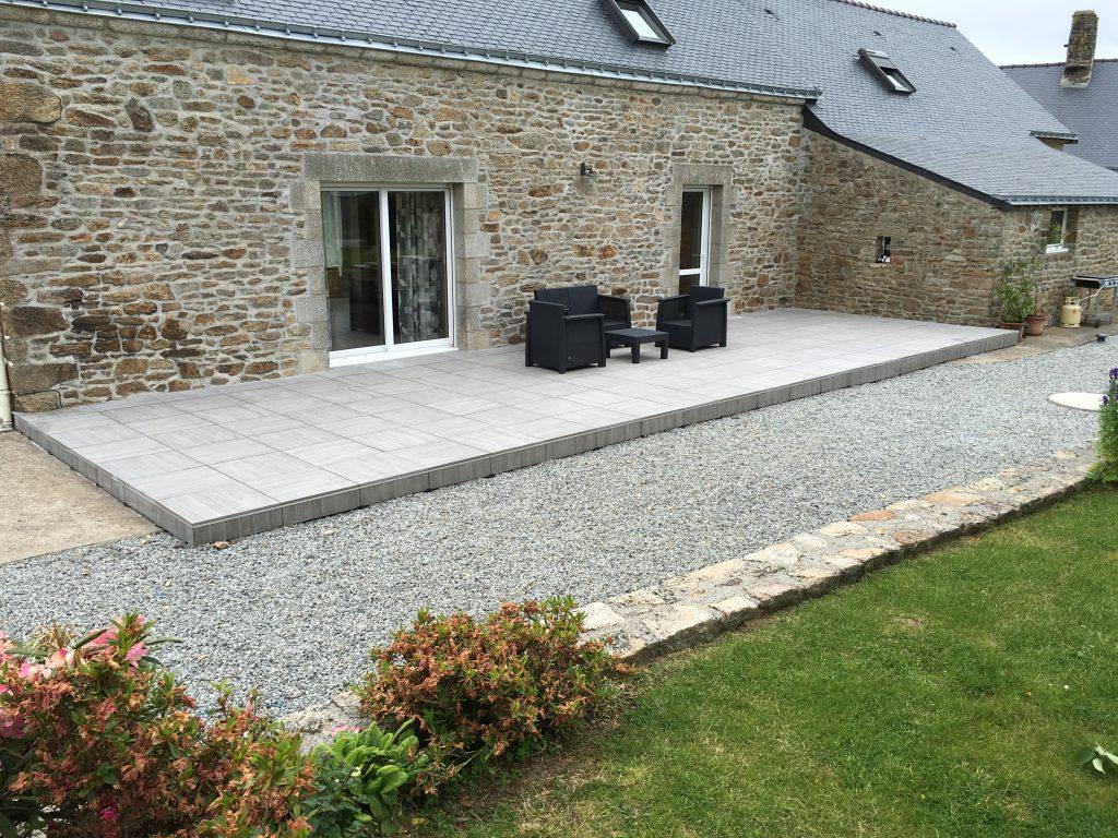 Realisation D Une Terrasse En Carrelage Sur Plots Pour Une Longere En Pierre Carrelage 60x6 Terrasse Carrelage Sur Plot Carrelage Exterieur Sur Plot Terrasse