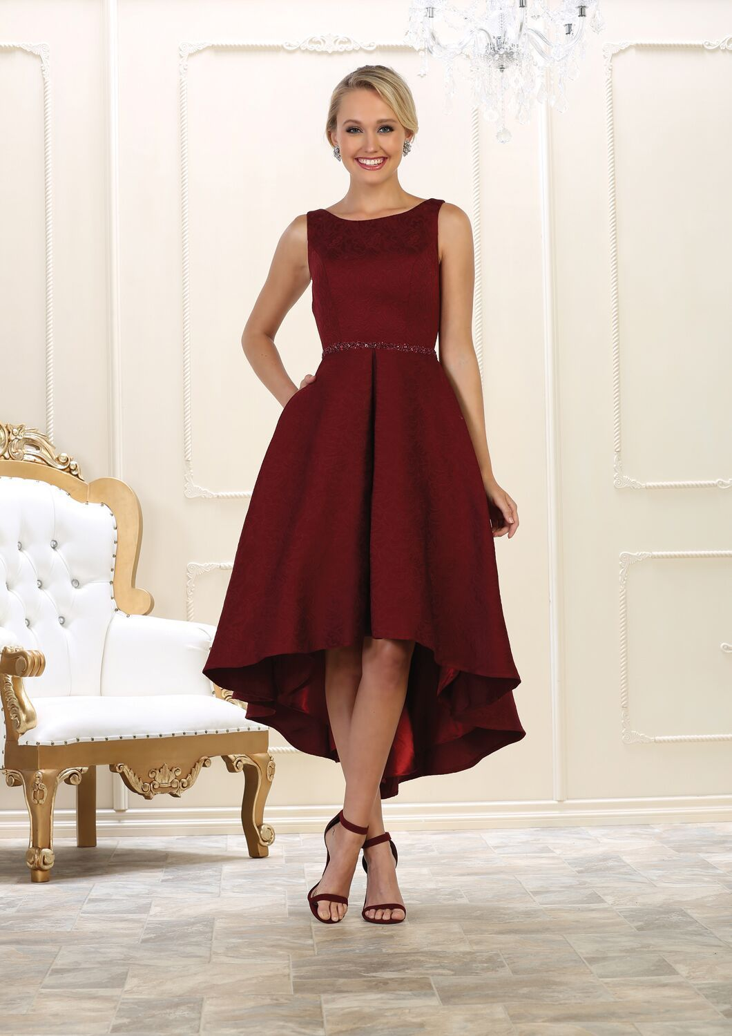 cb0c79d7c41 This simple short dress features sleeveless with round neckline. Perfect  for prom