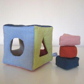trieur de formes en tissu fabriquer un jouet loisirs cr atifs jeux et jouets pinterest. Black Bedroom Furniture Sets. Home Design Ideas