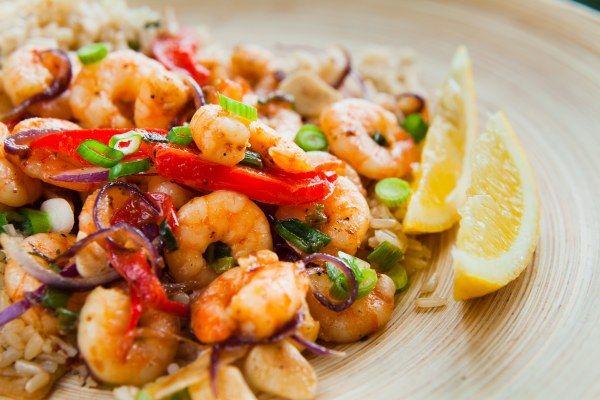 Riz aux crevettes et oignons