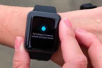 The New Apple Watch Makes Me Not Hate Smartwatches Quite As Much