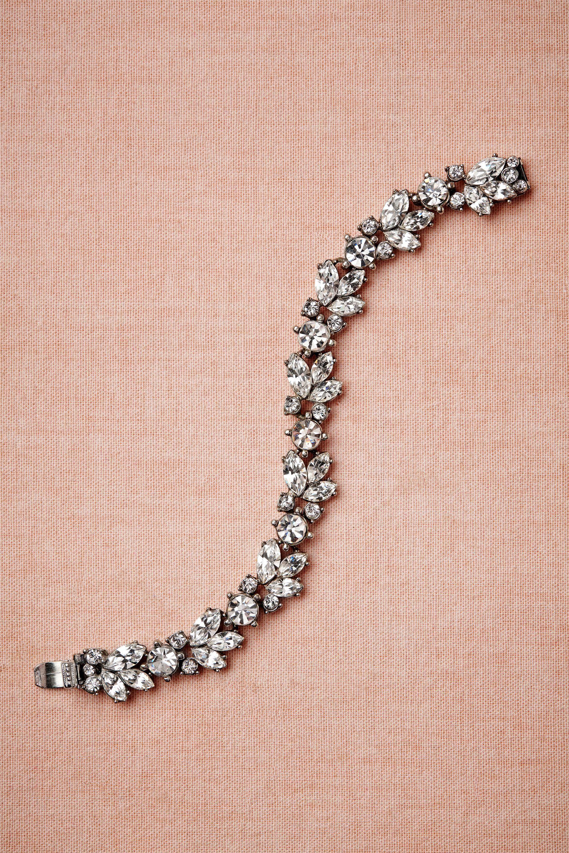 Este bracelete foi criado para noivas .
