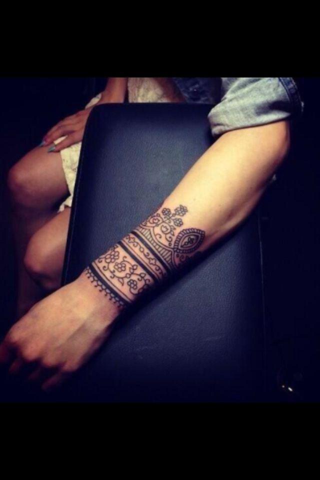 Intricate Wrist Cuff Henna Tattoo Stencil: So Pretty! Girly Lace Wrist Tattoo