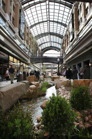 City Creek Mall In Salt Lake City The Roof Can Open And