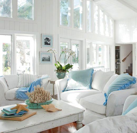25 Small Cozy Beach Cottage Style Living Room Interior Design & Decor Ideas #beachcottageideas