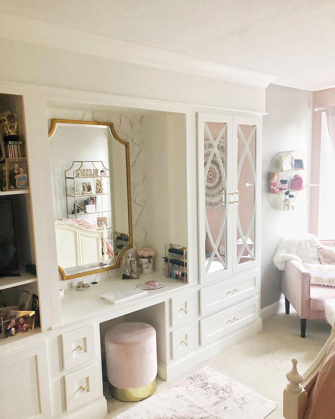 custom built in vanity Built in vanity, Small room