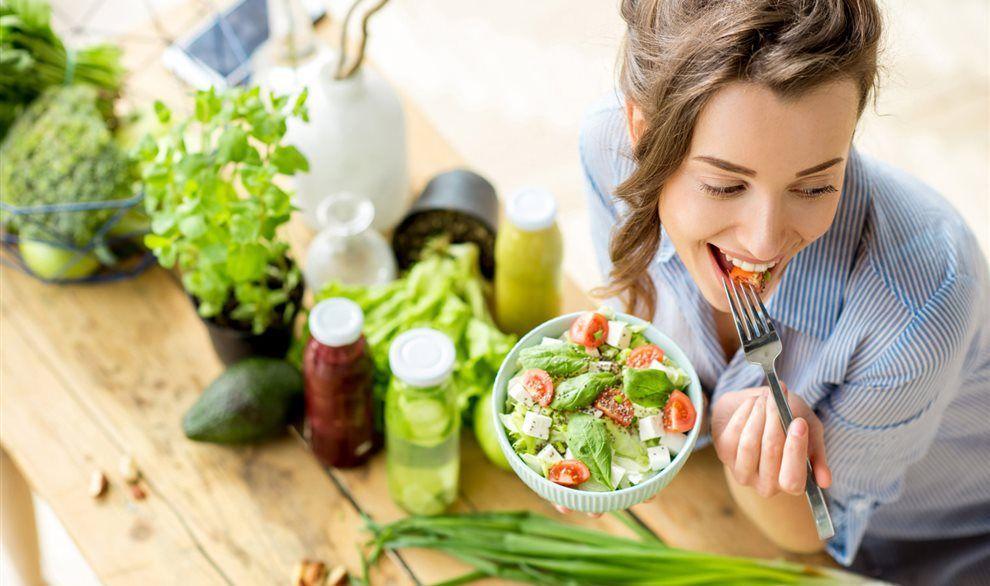 Rau xanh là thực phẩm tuyệt vời cho một tuyến giáp khỏe mạnh