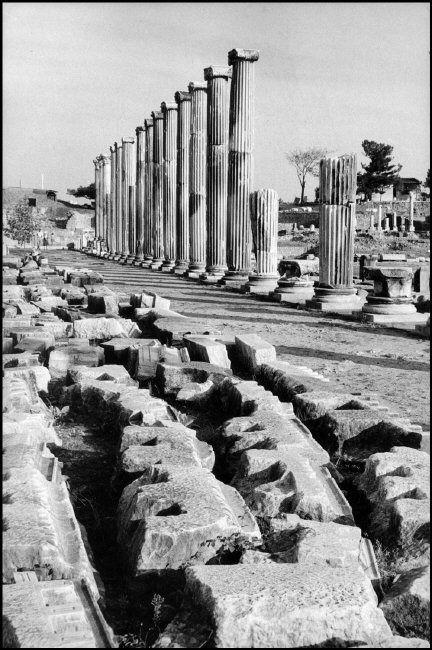 Henri Cartier-Bresson //  Turkey, 1964 -   Pergamon. The Acropolis.