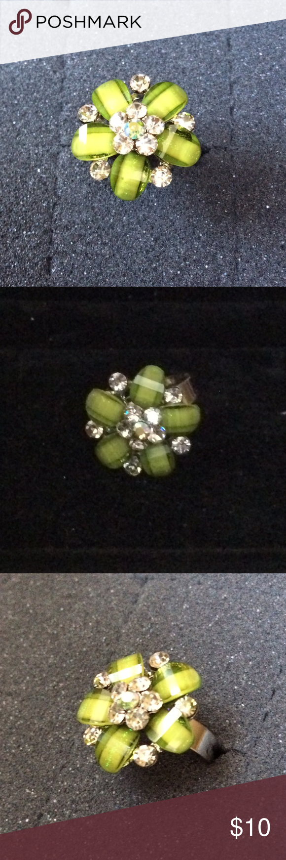 ✨NEW✨Cluster Flower Ring 💍 💍Lime green colored cluster flower ring 💍Adjustable band ⭐️Reasonable offers will be considered 🚫No lowball offers please! 🙅No trades 💰Bundle and save! Jewelry Rings