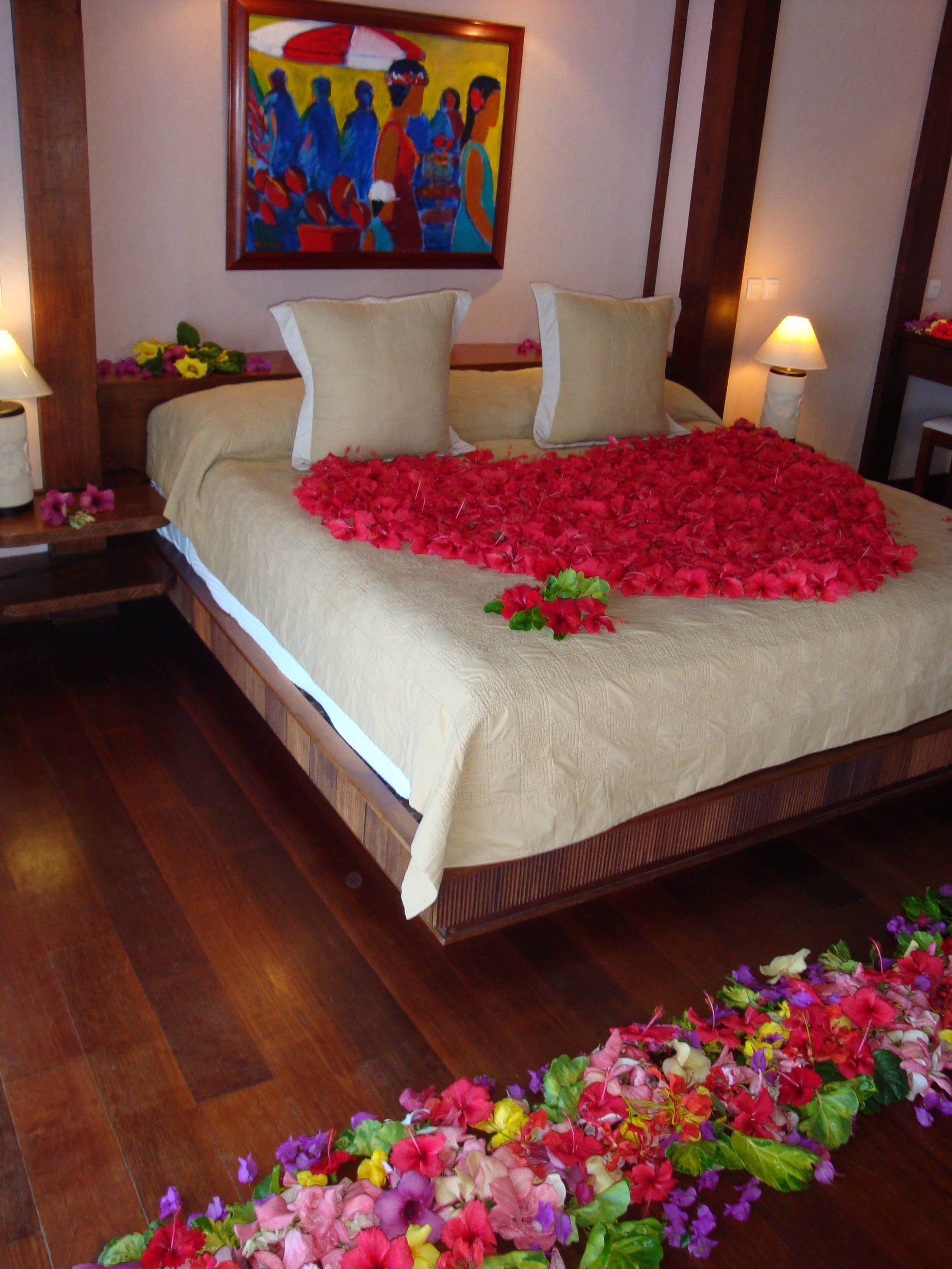 Romantic Room Decoration: To Stay In This Room Just