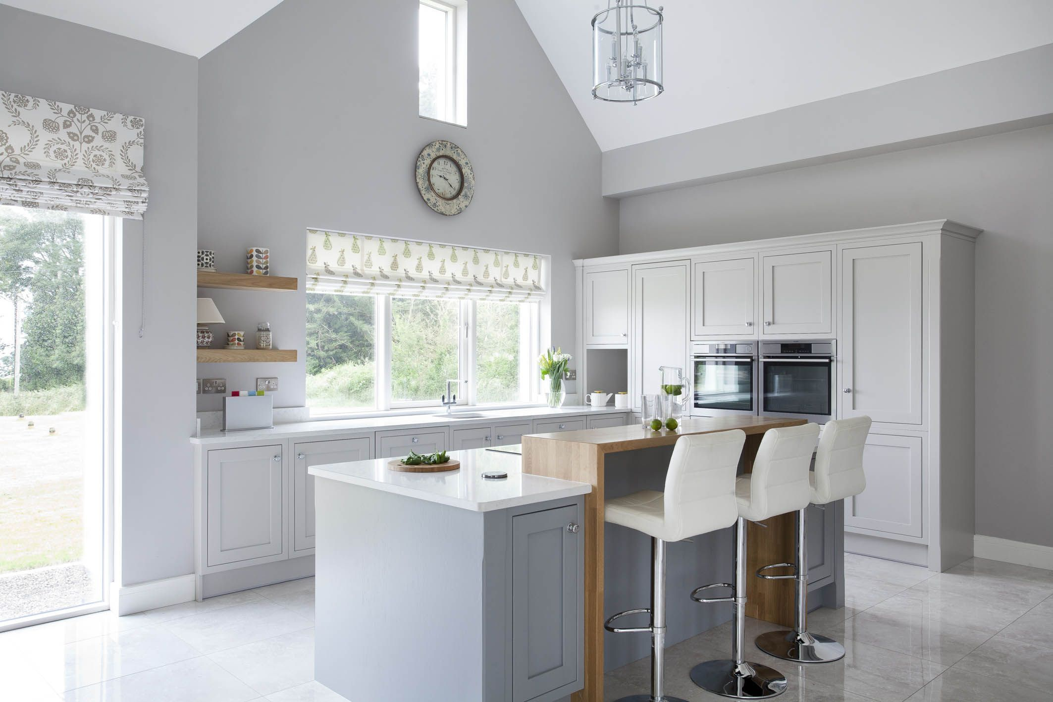 Bespoke kitchen – handpainted in Farrow & Ball Cornforth White with Manor House Gray on the island #cornforthwhitelivingroom Bespoke kitchen – handpainted in Farrow & Ball Cornforth White with Manor House Gray on the island