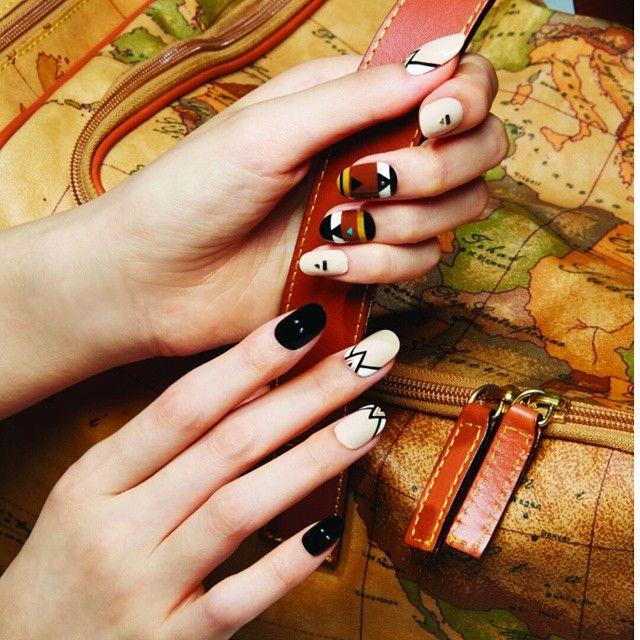 #여행 을떠나요! 진짜. 떠납시다! #cosmopolitan #코스모폴리탄 #네일화보  #키워드 #에스닉 #ethnic #ethnicnails#nail #nailart  #nails #manicure  #instanail #beauty #manicurist #ParkEunKyung #박은경 #nailist  #네일 #네일아트 #네일디자인 #네일트랜드  #nailtrend #fashion #style  #유니스텔라 #unistella