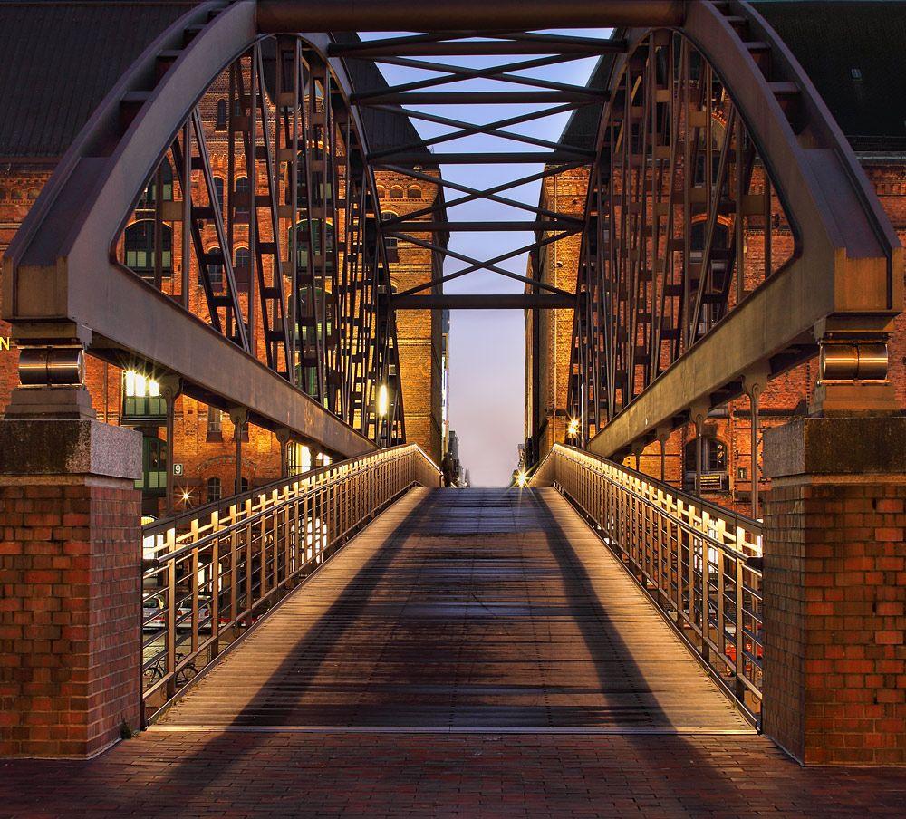 Hamburg. Speicherstadt Foto & Bild | architektur, architektur bei nacht, hamburg Bilder auf fotocommunity