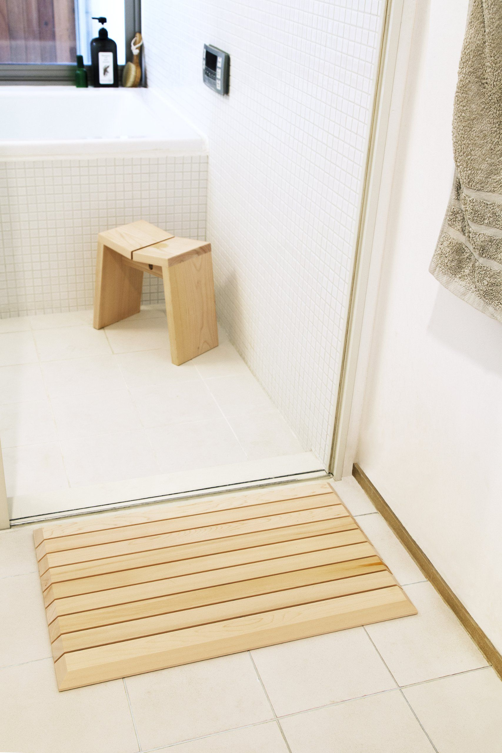 Amazon Com Wooden Bath Mat Made By Japanese Traditional Craftsmanship Wooden Bathmat Bathroom Floor Mat Wooden Bath