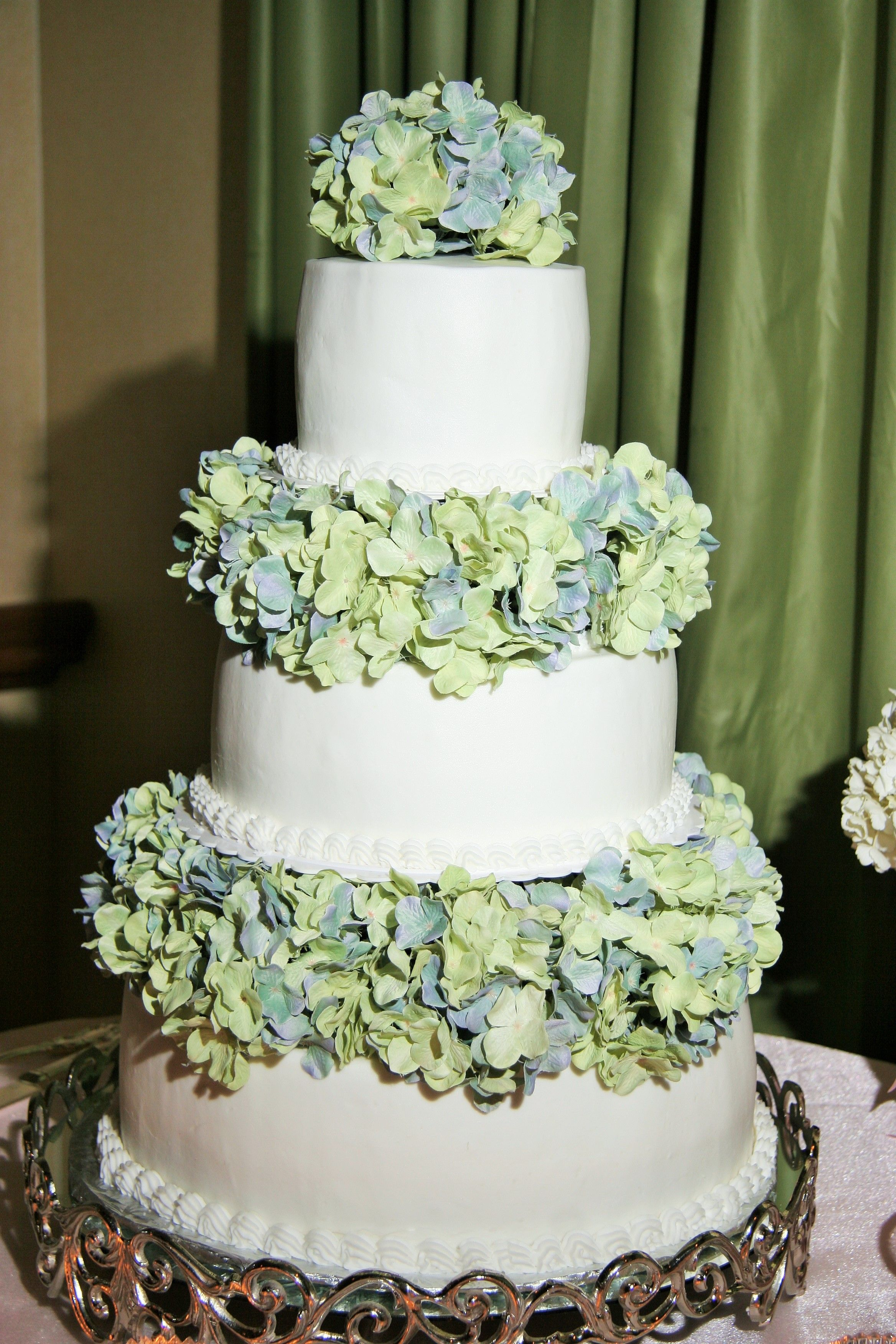 Wedding Beachy Without Being Too Tropical Hydrangea Flowers In Blue And Seafoam Green