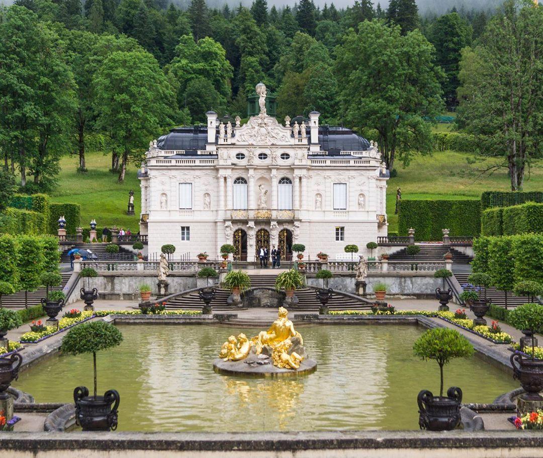 Just One Of King S Ludwig Ii Aka The Mad King Many Palaces Ludwigii Konig Bayern Bavaria Linderhof Palace Schloss Schloss R Canal Structures Bavaria