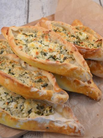Photo of Turkish pide with sheep's cheese recipe ›Whispered oven