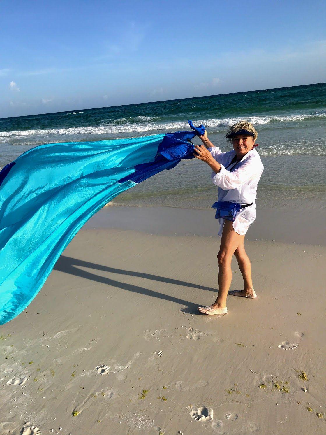 Beach Hacks For Keeping The Sand At The Beach Beach Blanket Beach Hacks Beach