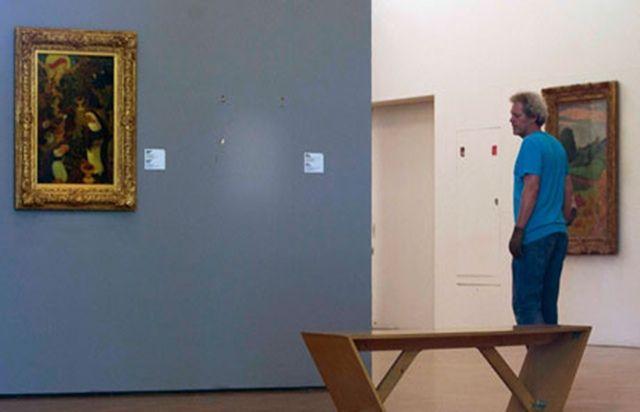 """'Asrın sanat soygunu' davasında gelişme - Hollanda'da geçtiğimiz sene Kunsthal Müzesi'nde gerçekleştirilen """"asrın sanat soygunu"""" davası devam ediyor. Mahkeme, soyguna karışan iki kişiyi hapis cezasına mahkum etti"""