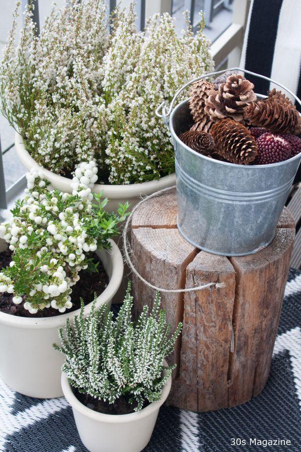 Perk up your balcony for fall balcony decoration for Fall balcony decorating ideas