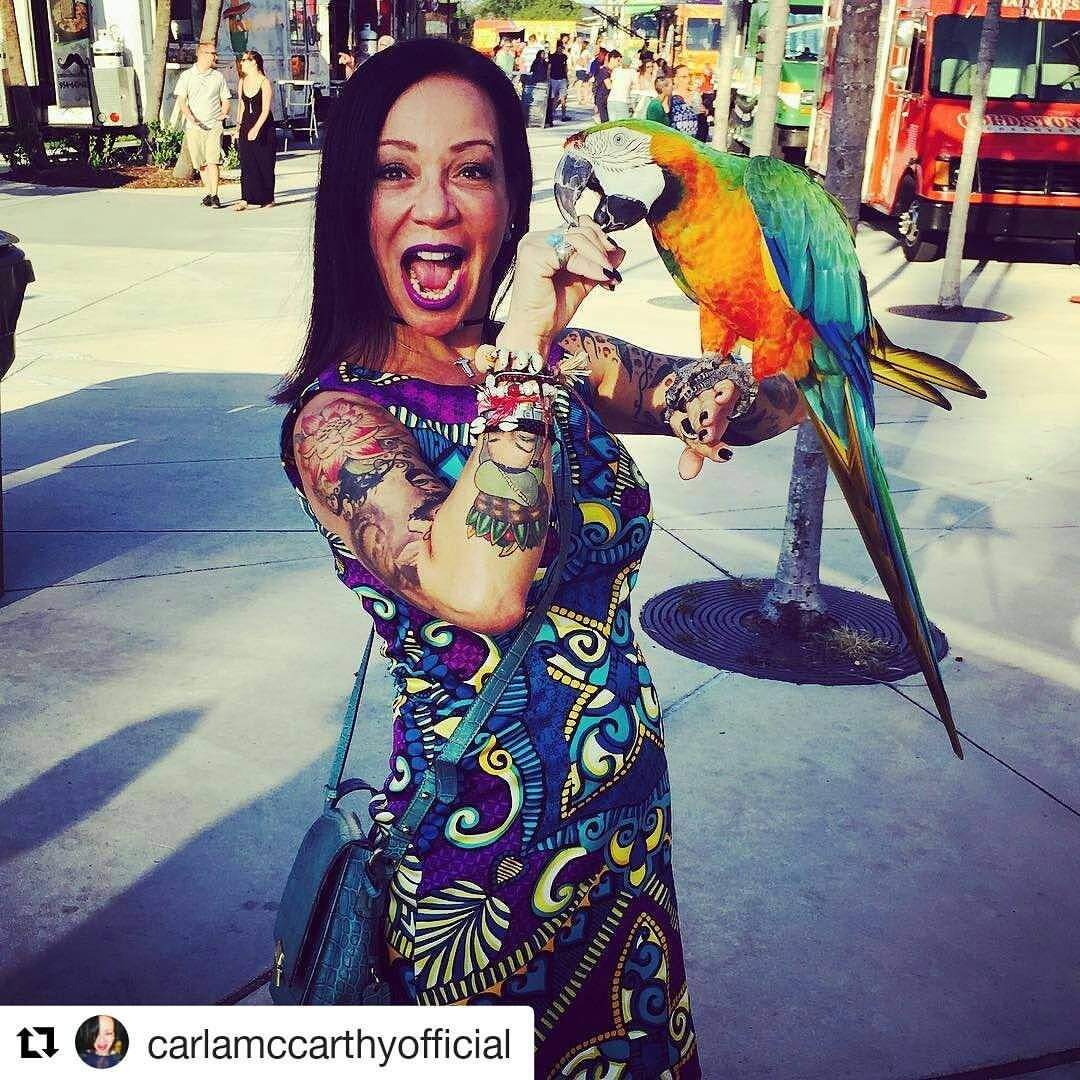 Credit to @carlamccarthyofficial  ・・・ Life is full of surprises and I'm enjoying each one of them! ❤️ wildlife #parrot #loveofmylife #happy #colorfull #feather #living #tattoo #colorfull #instagood #HollywoodTapFL #HollywoodFlorida #HollywoodFL #HollywoodBeach #DowntownHollywood #Miami #FortLauderdale #FtLauderdale #dania #daniabeach #Aventura #Hallandale #hallandalebeach #Pembrokepines #miramar #broward  (at Downtown Hollywood, FL)