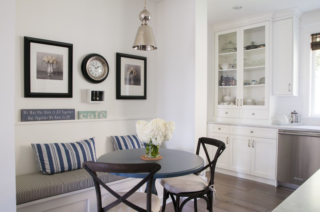 Simply White Living Room Ideas: How To Work With Simply White Walls