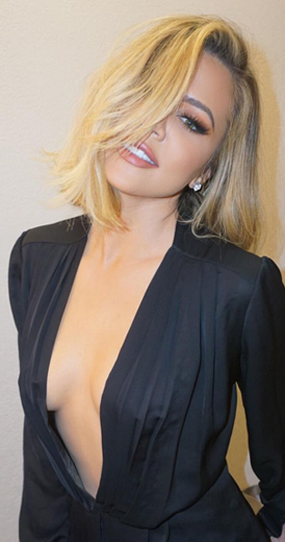 Fappening Khloe Kardashian nude (41 photo), Tits, Cleavage, Selfie, cleavage 2015