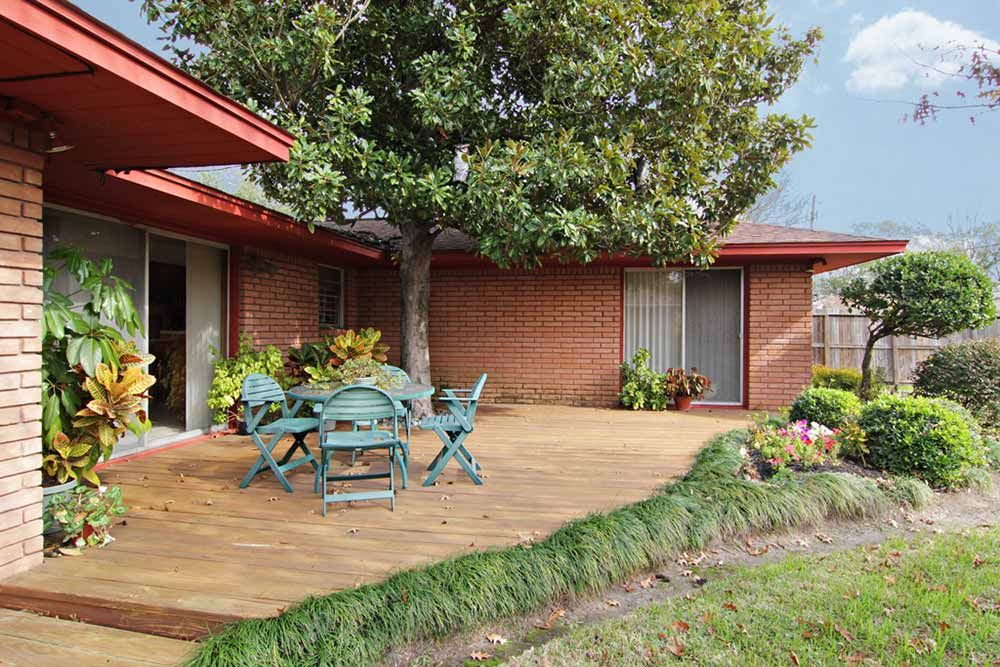 1956 time capsule ranch house - original owner mid century ... on Back Deck Ideas For Ranch Style Homes id=48393
