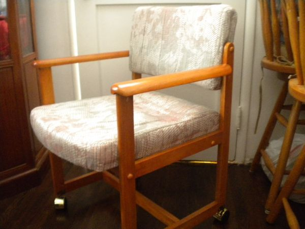 Los Angeles Brand New Arm Chairs With Rollers 25 Http Furnishlyst