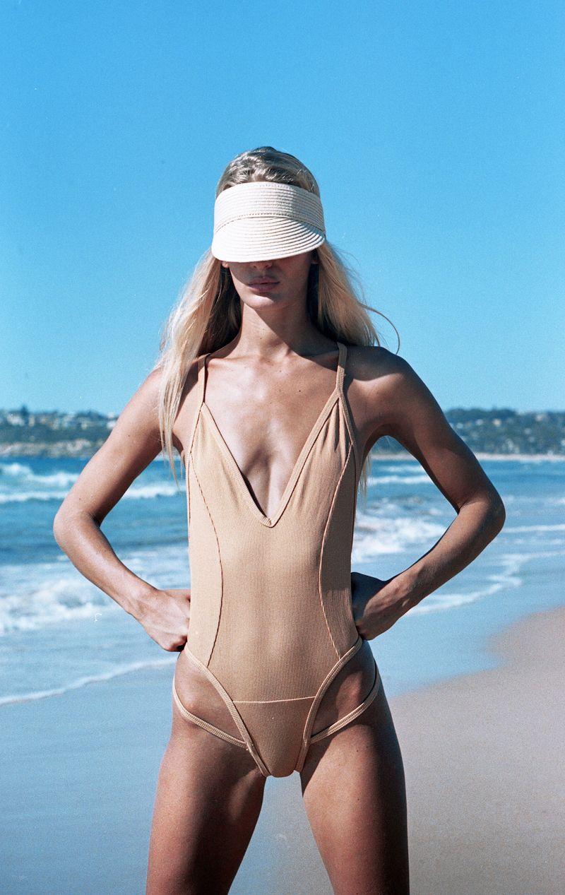 hana_191.jpg 800×1.267 píxeles Swimwear Fashion, Bikini Fashion, Hanalei  Reponty,
