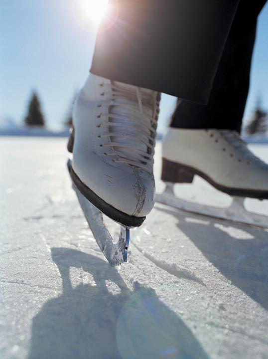 be an expert at ice skating