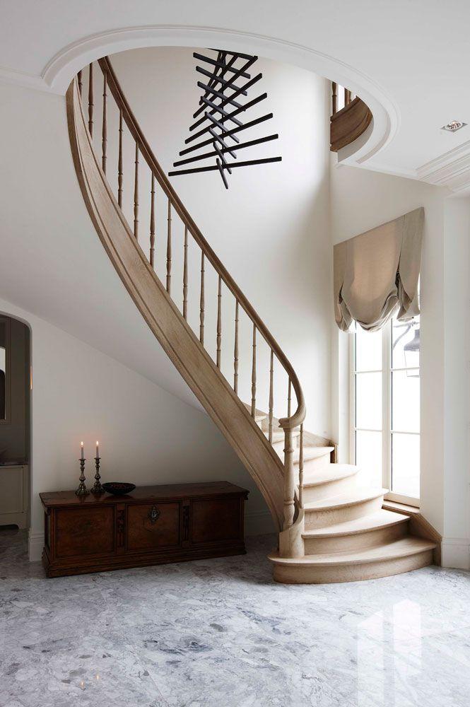 Construction de villas Vlassak Verhulst Chantier Versailles - escalier interieur de villa