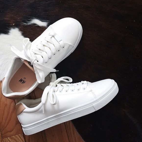 the best attitude 89933 701cf H M white sneakers Only worn a few times!! Good condition. Size 38  ) white  with tan detail. Make me offers! H M Shoes Sneakers