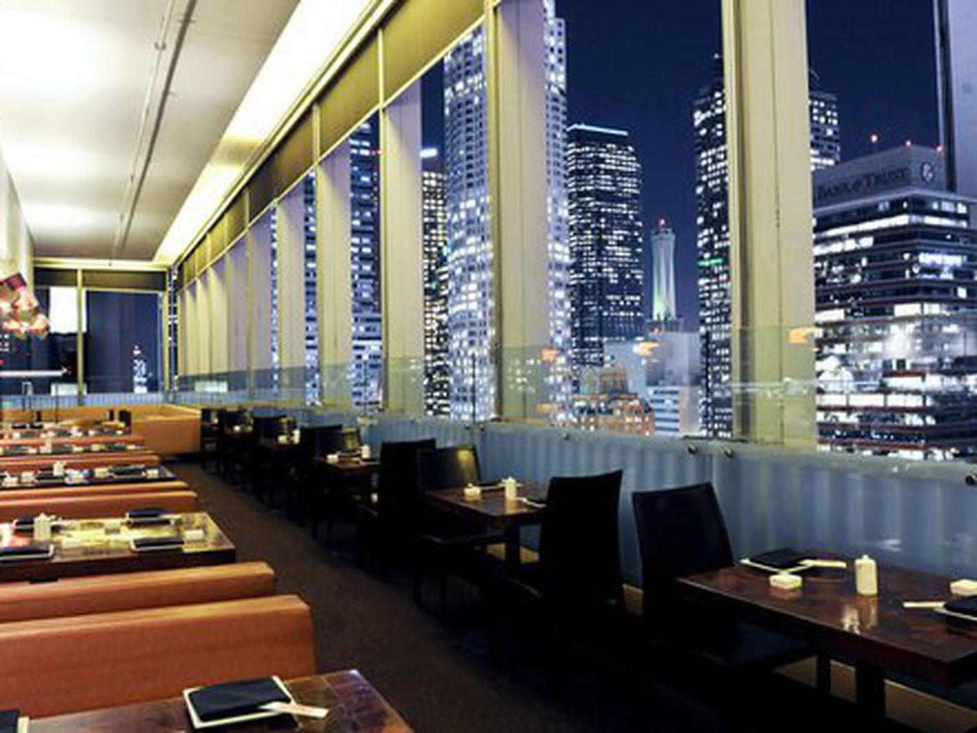 20 Restaurants With Amazing Views In Los Angeles Los Angeles Restaurants Birthday Dinner Restaurants Dinner Restaurants