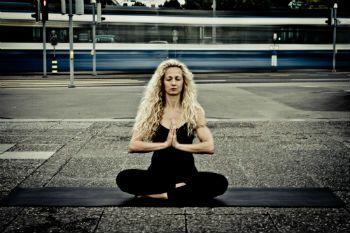 Yoga in Dübendorf von www.yogifee.ch