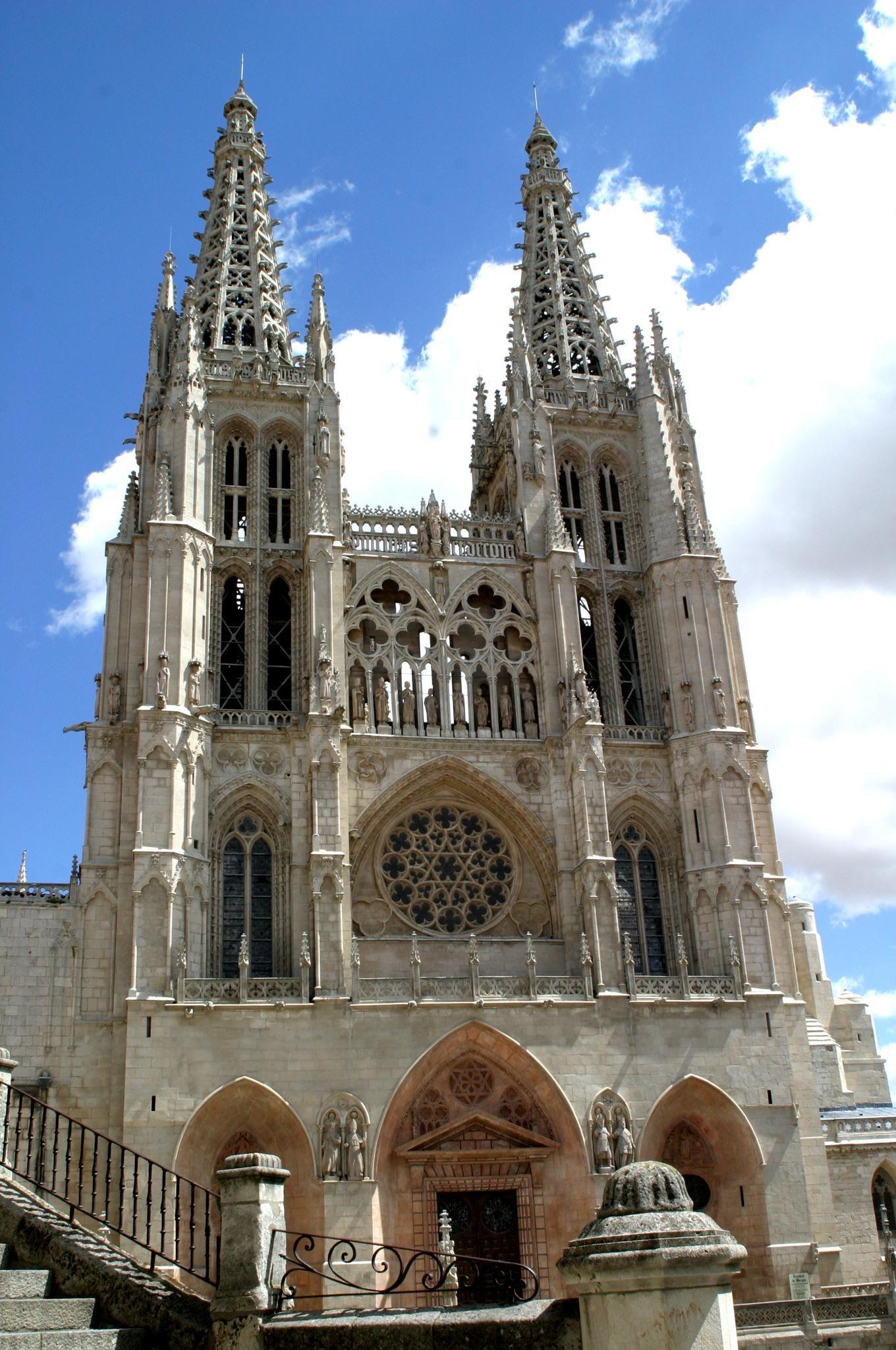 Arquitectura g tica espa ola fachada de la catedral de for Arquitectura espanola