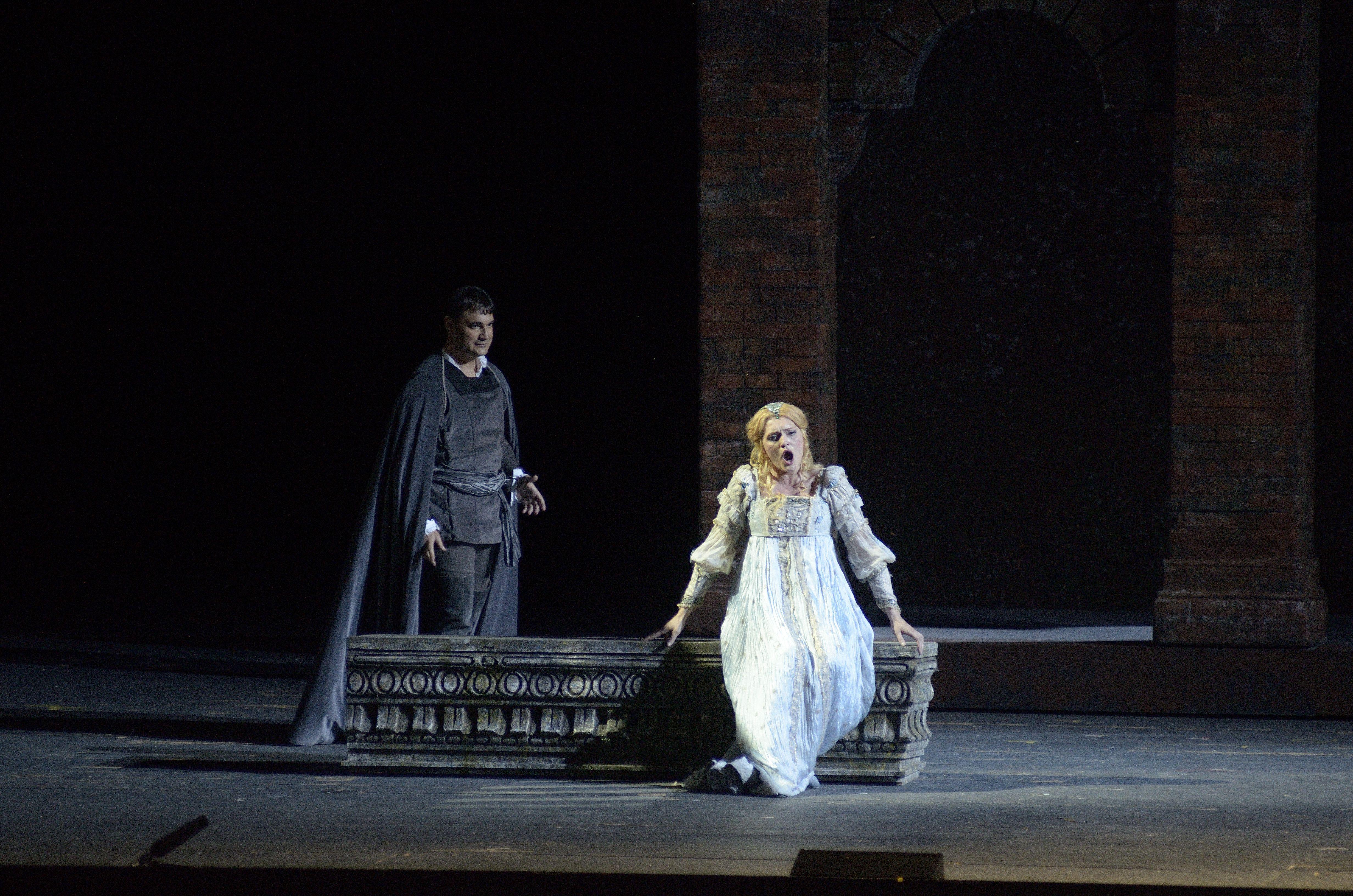 Gilda (Ekaterina Bakanova) singing her love for the poor student Gualtier Maldé (in reality the Duke of Mantua, Francesco Demuro).