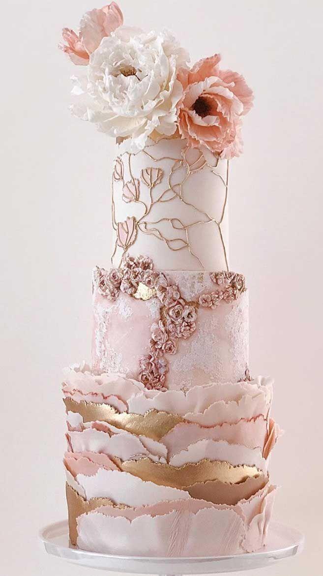 Die 50 schönsten Hochzeitstorten – Rosa Luxus-Hochzeitstorte mit goldenen Akzenten