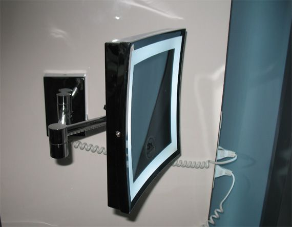 Lighted Bathroom Magnifying Mirrors