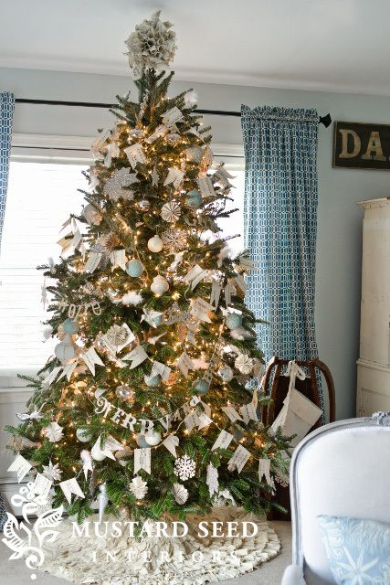 Decorating For Christmas Miss Mustard Seed Christmas Vignettes Christmas Decorations Gold Christmas Tree