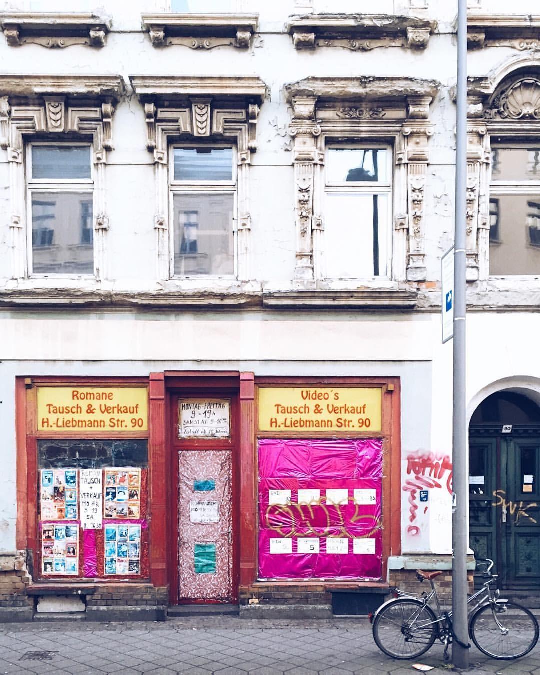 Tausch & Verkauf  #leipzig #lieblingsleipzig #urban #leipzigerverfall #urbanromantix #diewocheaufinstagram #thecreatorclass #jointheclass #createexplore #way2ill #illgrammers #agameoftones
