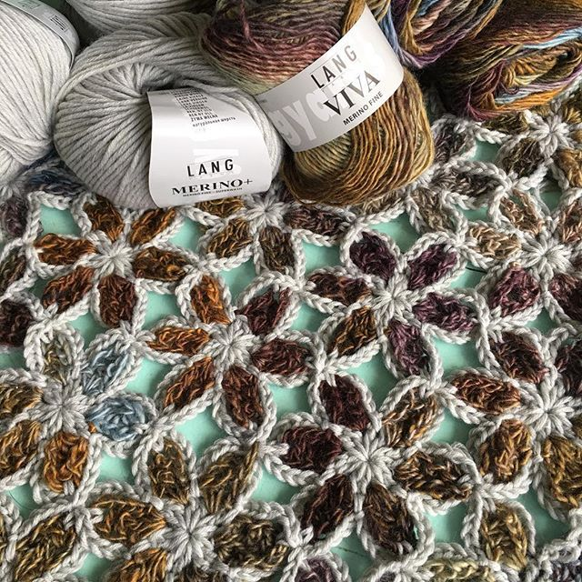 I am so happy with the Merino + and Viva from @langyarns_official ...