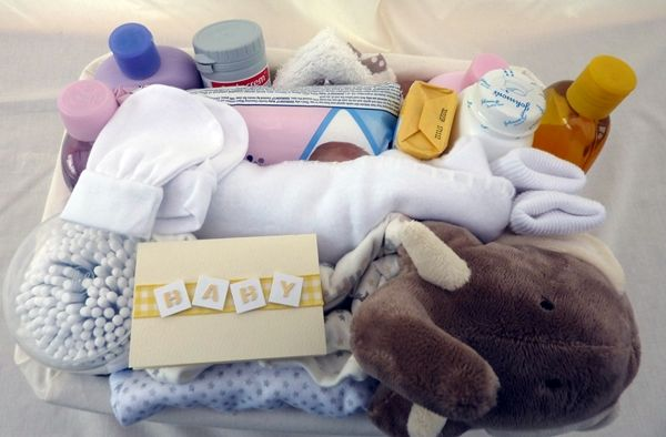 Standard size New Born Baby Gift Basket with Simple Baby products £49.95 plus £7.50 p & p to most UK Mainland addresses (Ex Scottish Highlands, please contact us for offshore and Highland & Island supplements)  (Available in girl's/boy's and Neutral options, with Johnson's Baby products instead of Simple and in different sizes.